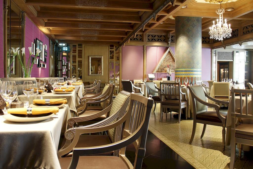 ห้องอาหารเบญจรงค์ โรงแรมดุสิตธานี กรุงเทพฯ