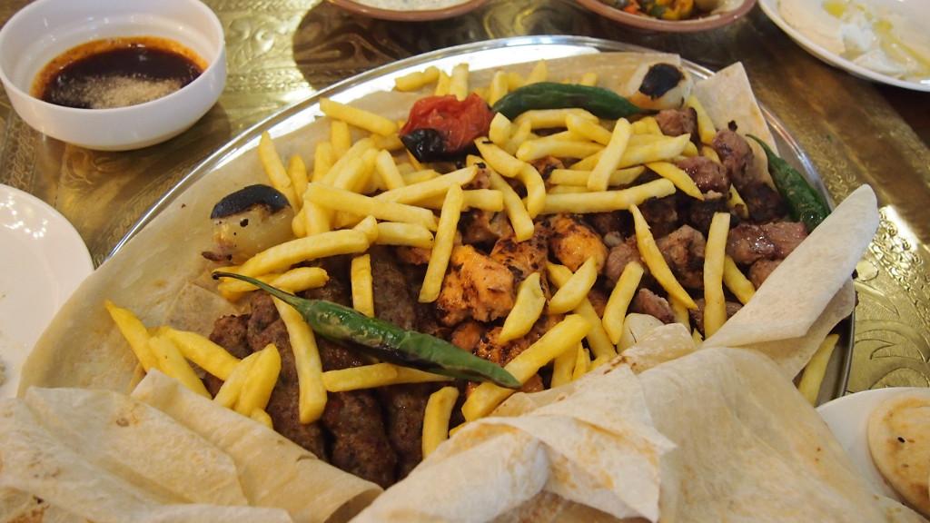 บาร์บีคิวรวมมิตร จานใหญ่ในกรุงอัมมาน