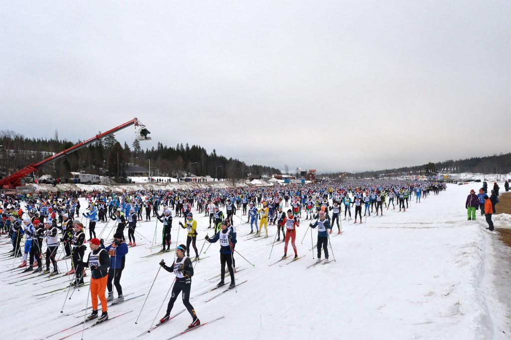 มวลมหาชาวนักแข่งสกีที่ Vasaloppet - ภาพจาก Facebook Vasaloppet