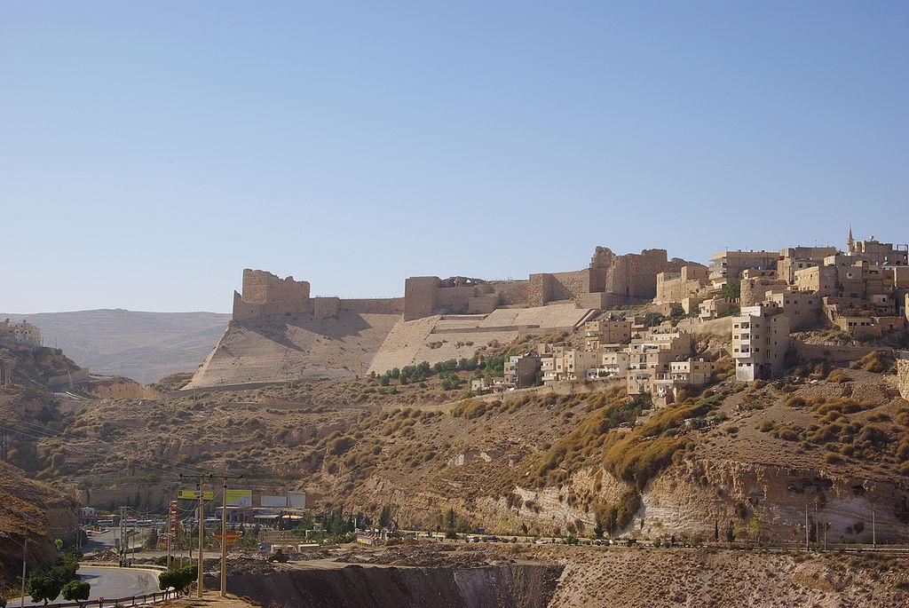ปราสาทเครัคบนยอดเขา (ภาพจาก Wikipedia)