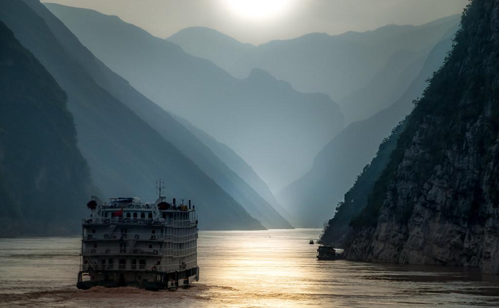 ล่องเรือชมแม่น้ำแยงซีเกียง - Flickr Bernd Thaller