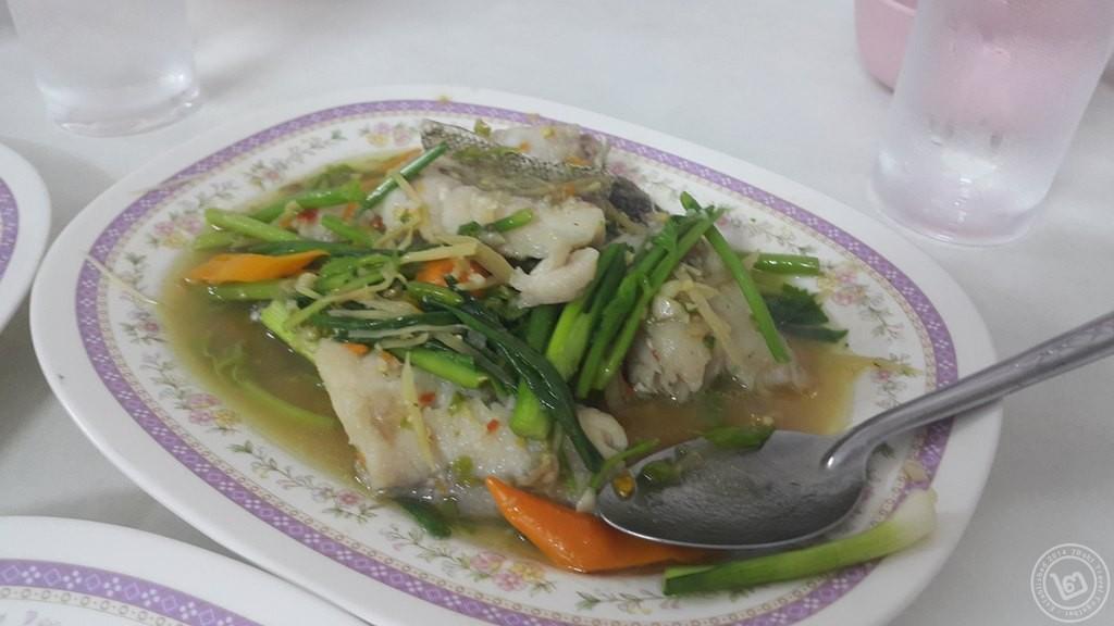 ปลาเก๋าผัดฉ่า ไสวอาหารทะเล