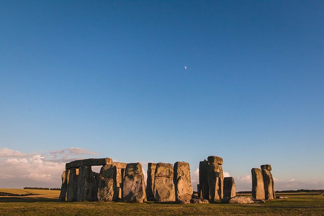 Stonehenge ภาพจาก Flickr Sharon Drummond