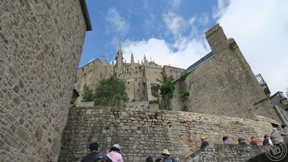 ทางเดินขึ้น Mont Saint-Michel