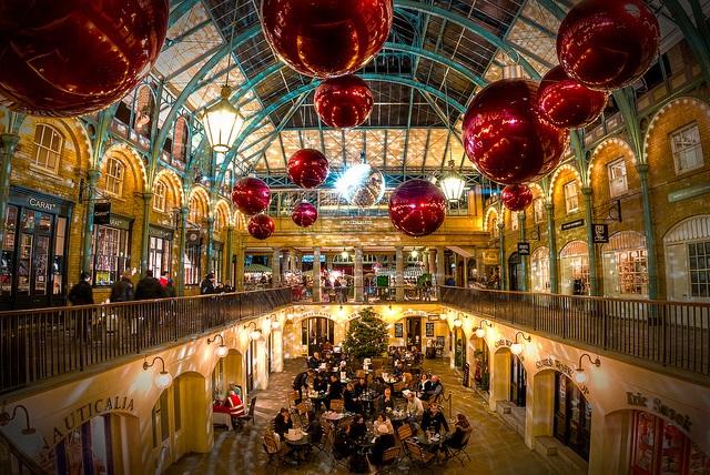 ตลาด Covent Garden ช่วงคริสต์มาส (ภาพโดย Timothy Selvage)
