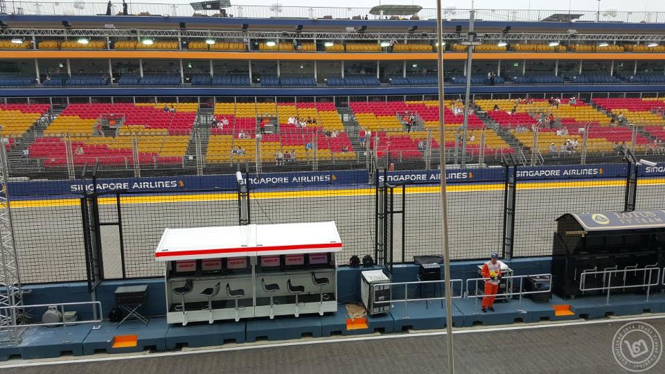 F1 Paddock Stand