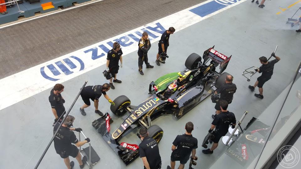Lotus F1 Pit Team