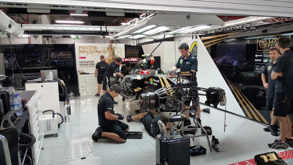 Lotus F1 Pit Singapore