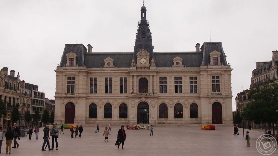 Hotel De Ville Poitiers
