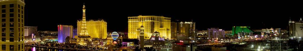 ถนน Strip ใน Las Vegas - ภาพจาก Wikipedia