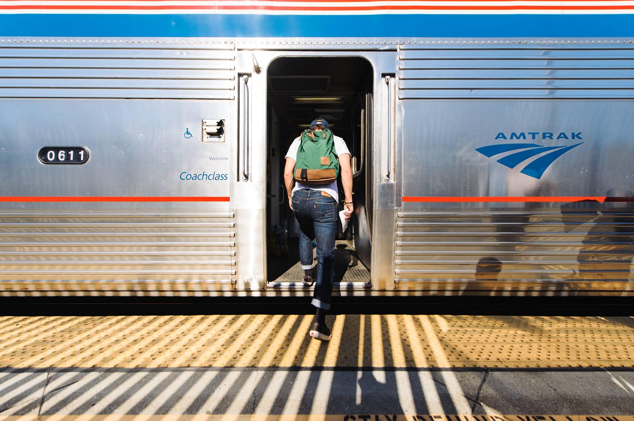 ภาพจาก Facebook Amtrak