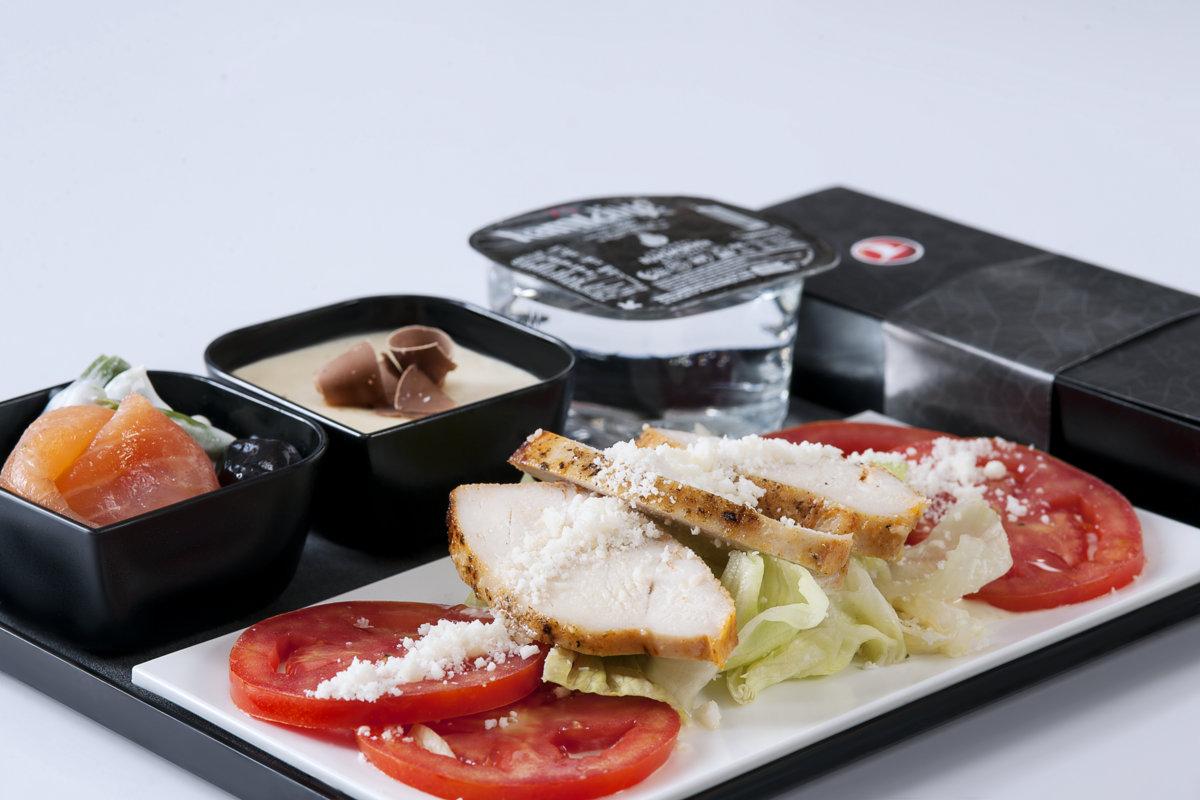 อาหารสำหรับผู้โดยสารชั้น Economy ของ Turkish Airlines หน้าตาดูดีทีเดียว