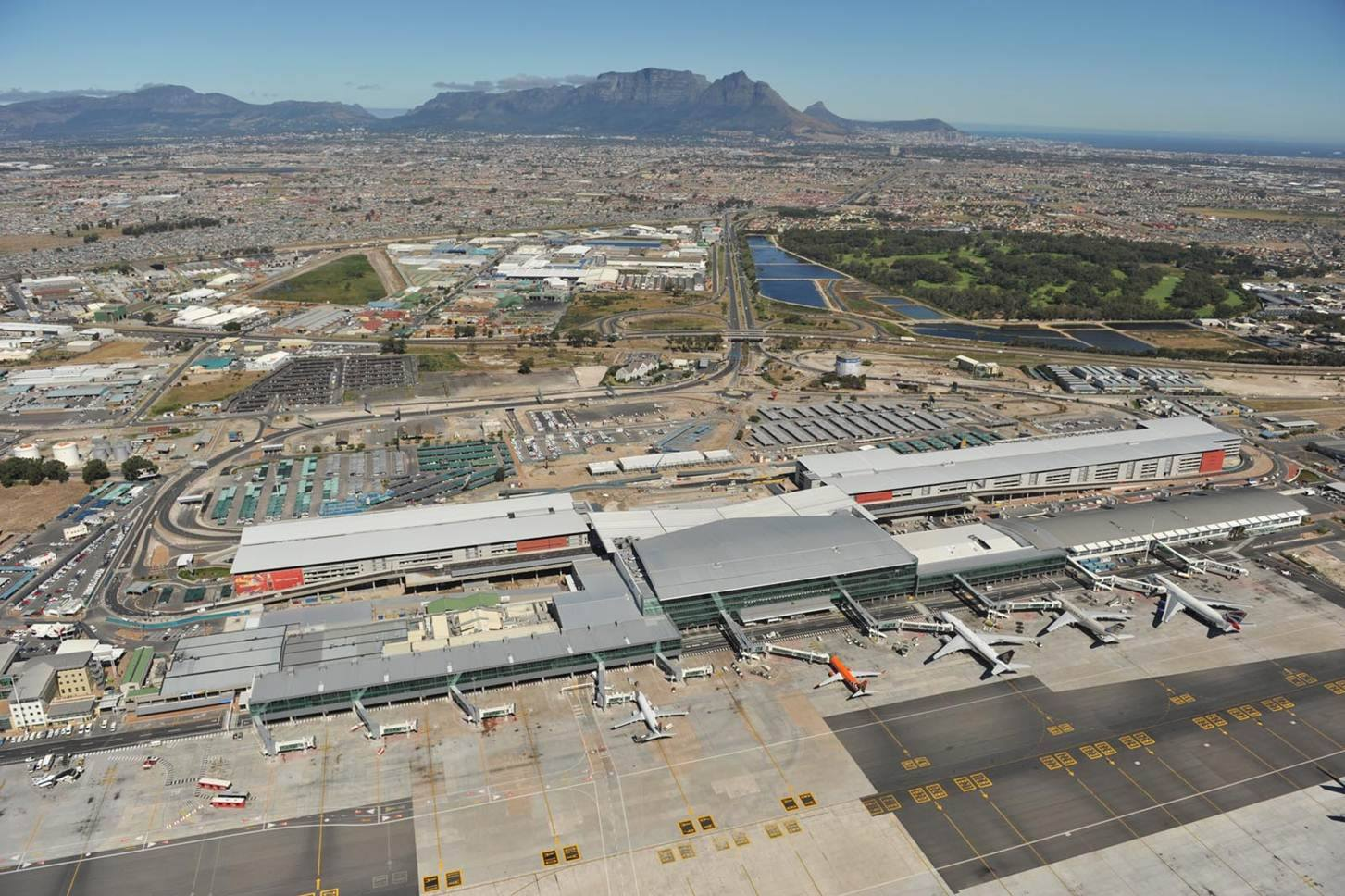 ภาพจาก Facebook Cape Town Airport