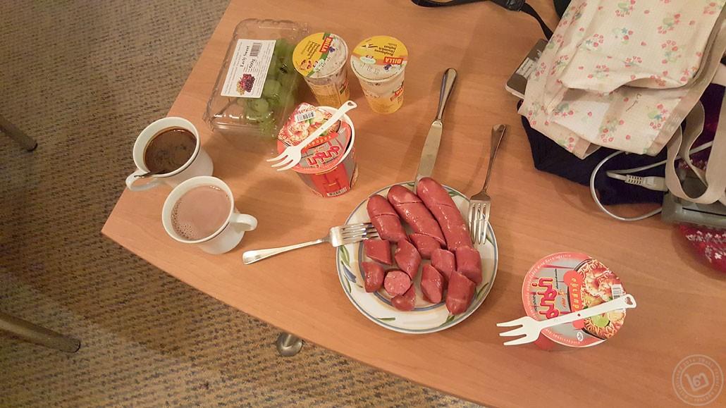 อาหารมื้อเช้าจาก Billa ซูเปอร์มาร์เก็ตใกล้ที่พัก
