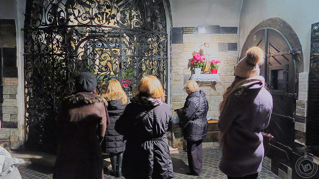 Virgin Mary Zagreb Hvala