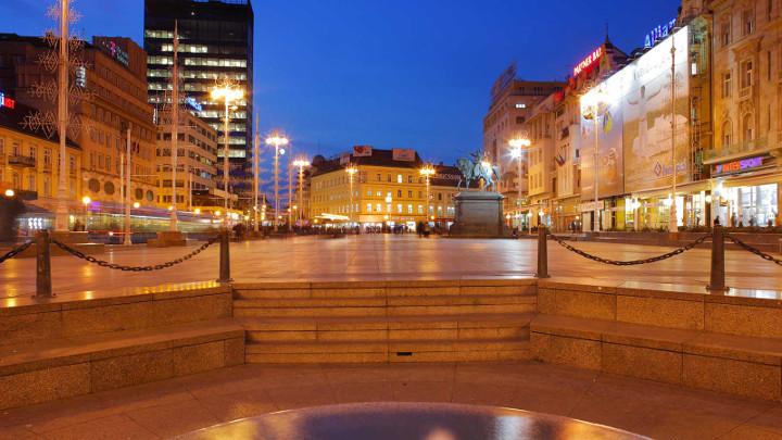 บรรยากาศเมืองหลวง Zagreb ยามค่ำคืน - ภาพจากการท่องเที่ยวโครเอเชีย