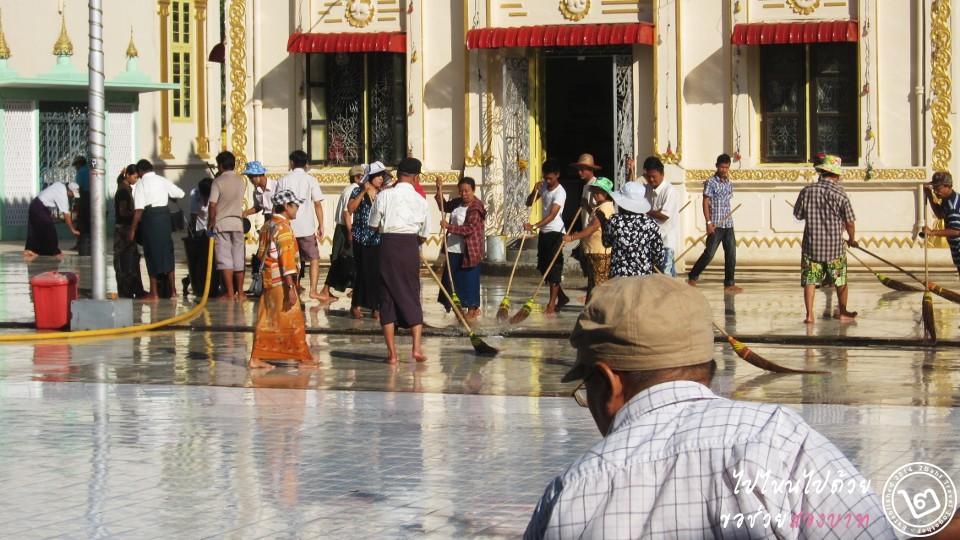 ที่เที่ยว พม่า: เจดีย์โบดาทาวน์ (ภาพโดย 2Baht)
