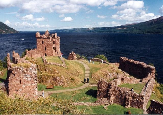 Urquhart Castle ภาพโดย Paul Allison