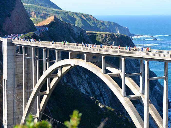 งานวิ่งมาราธอน ต่างประเทศ: ภาพจากเว็บไซต์ Big Sur Marathon
