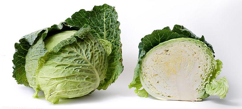 กะหล่ำปลี หนึ่งในอาหารที่ทำให้เกิดก๊าซในท้อง (ภาพโดย fir0002/wikipedia)