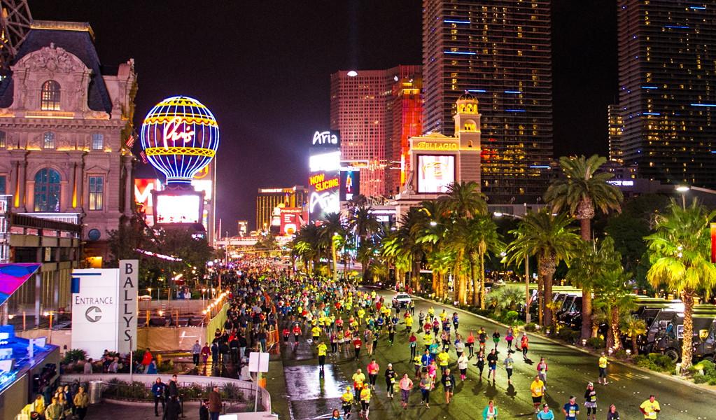 งานวิ่งมาราธอน ต่างประเทศ: ภาพจากเว็บไซต์ Rock 'n' Roll Las Vegas Marathon
