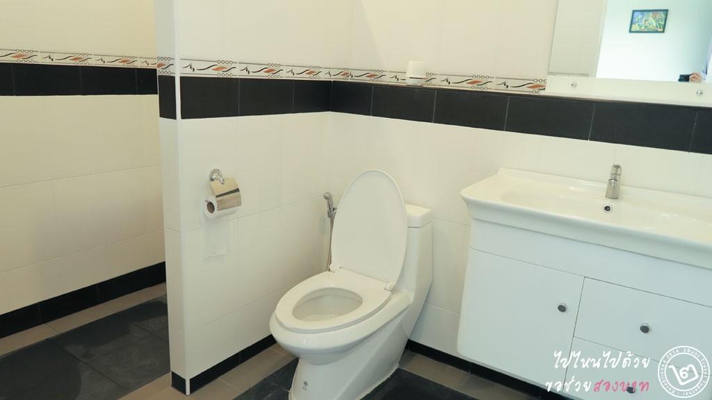 อคีรีณยา รีสอร์ต (Akirynya Resort) เขาค้อ ห้องน้ำ