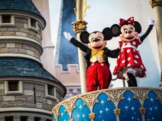 แพงได้อีก Disneyland ในสหรัฐอเมริกา ขึ้นค่าตั๋วอีกแล้ว