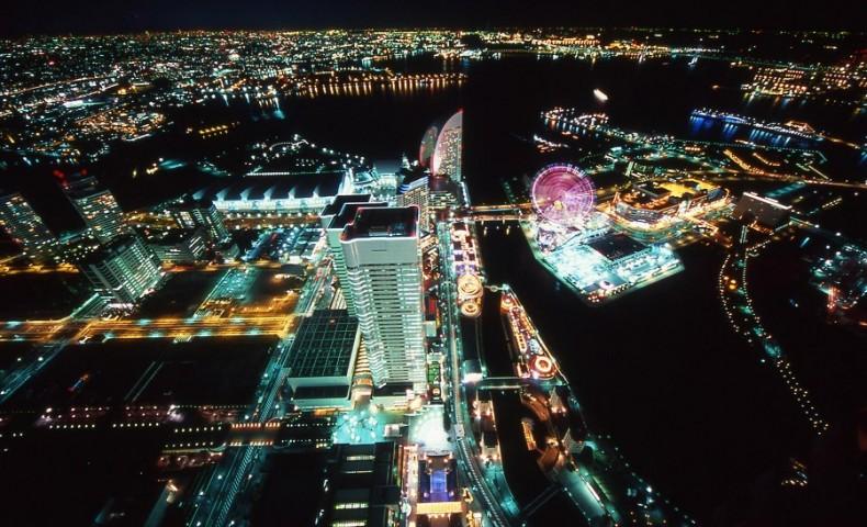 ภาพมุมสูงของอ่าว Minato Mirai (ภาพจากการท่องเที่ยวโยโกฮามา)