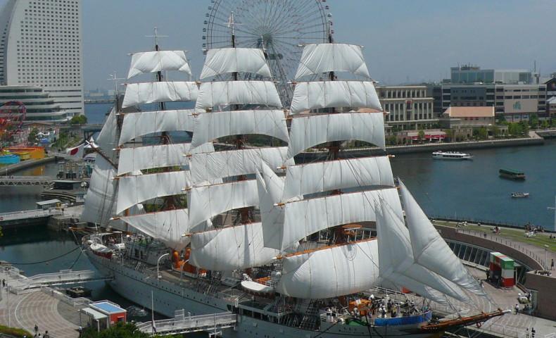เรือ Nippon Maru (ภาพจากการท่องเที่ยวโยโกฮามา)