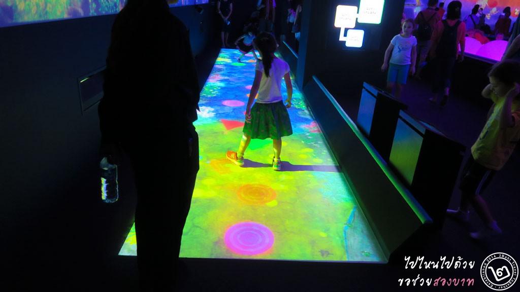 Create Hopsotch for Geniuses - นิทรรศการ Future World ArtScience Museum สิงคโปร์