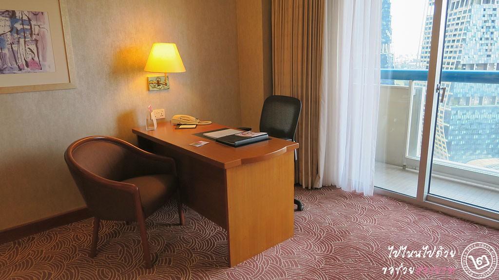 ห้อง Classic Room โรงแรม Swissôtel The Stamford สิงคโปร์