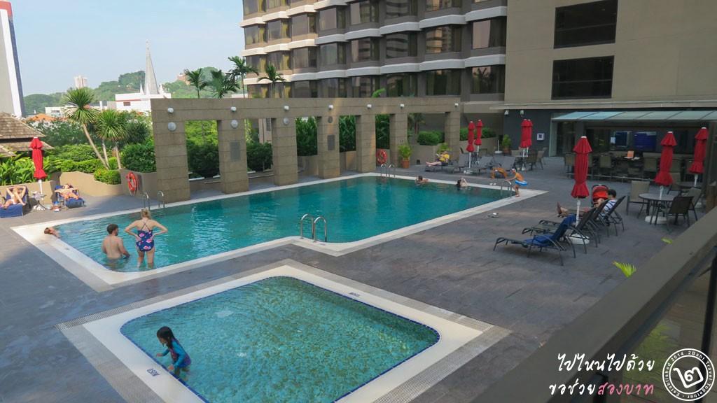 รีวิว โรงแรม Carlton ย่าน City Hall สิงคโปร์ - สระว่ายน้ำ