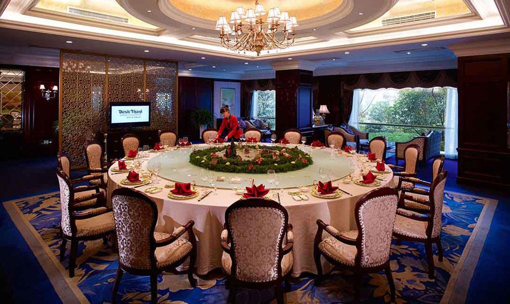 ห้องอาหารเทียน เซียง โหล (Tian Xiang Lou) ให้บริการอาหารห้วยหยาง อาหารเซี่ยงไฮ้ และอาหารกวางตุ้ง รสชาติต้นตำรับ
