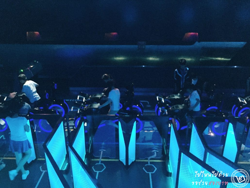 Shanghai Disneyland, tomorrowland, TRON Lightcycle Power Run
