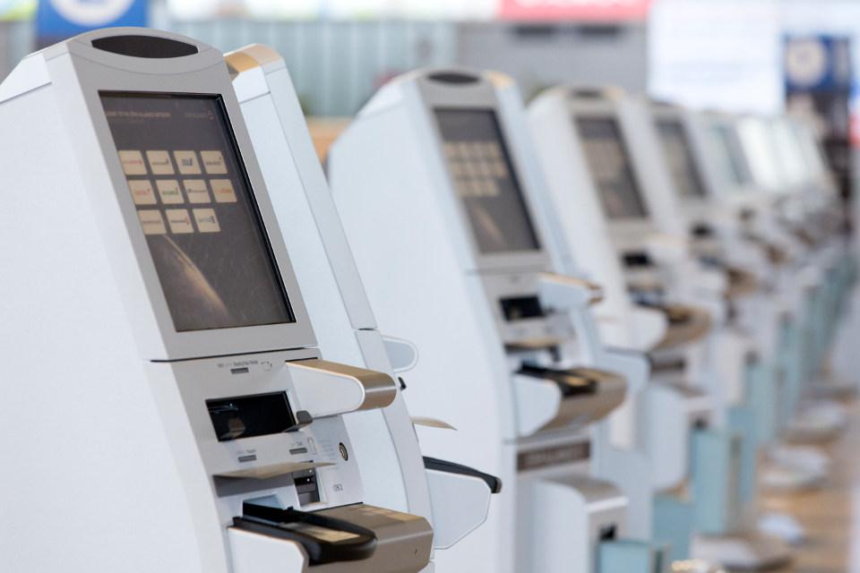 ตู้ Kiosk สำหรับเช็คอินด้วยตัวเอง กับทุกสายการบินในเครือ Star Alliance