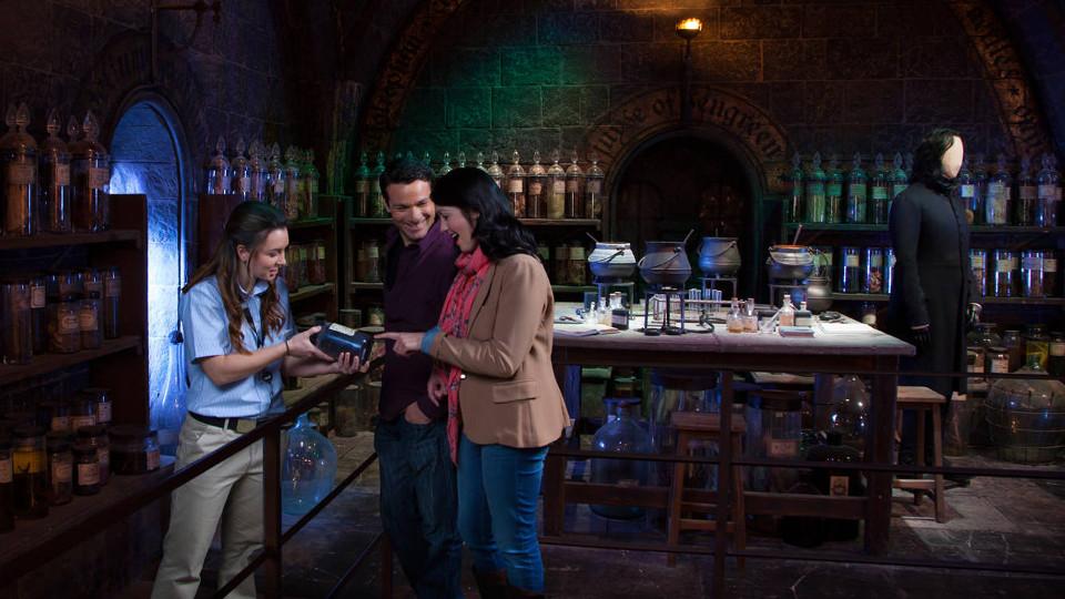 ห้องปรุงยาของสเนป ภาพจาก Warner Bros. Studio Tour London