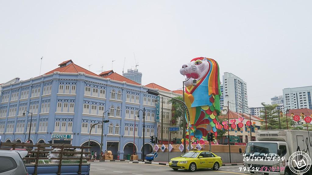 การแสดงโคมไฟบริเวณสี่แยก Eu Tong Sen ตัดกับ Upper Cross Street สิงคโปร์