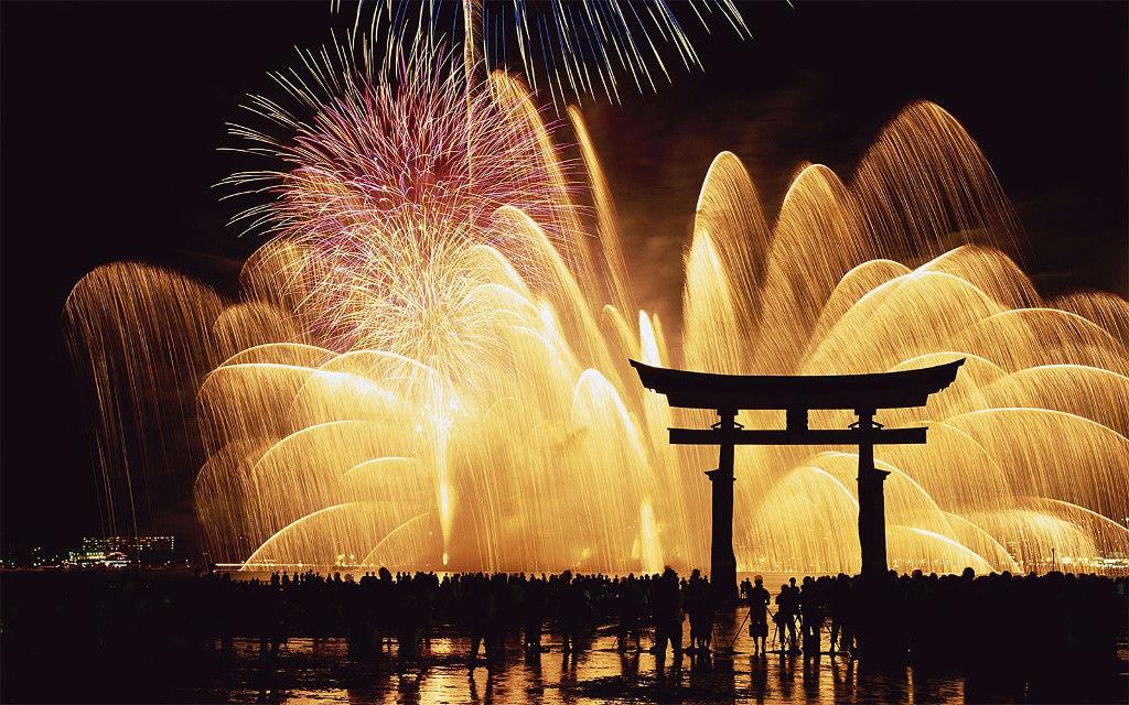 ทัวร์เทศกาลดอกไม้ไฟหรือจุดพลุในช่วงฤดูร้อนที่ญี่ปุ่น