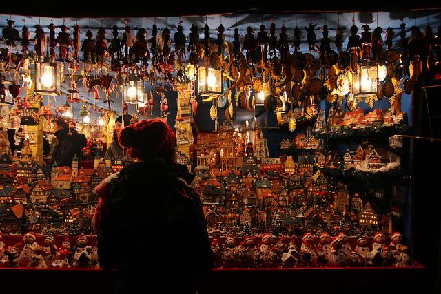 ตลาดคริสต์มาสที่ Nuremberg ภาพโดย Andy L / Flickr